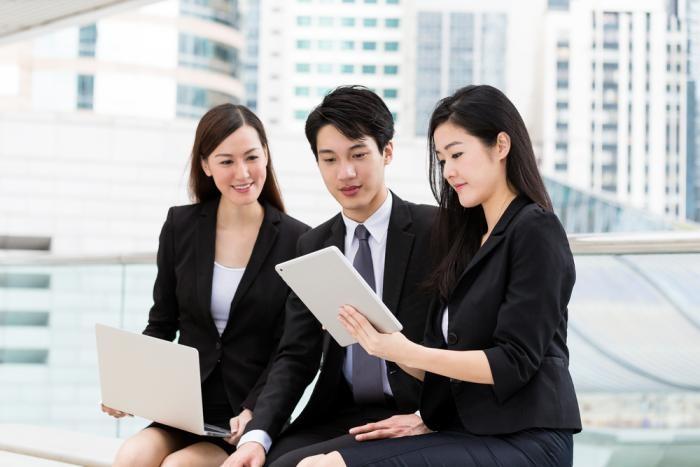 Dịch vụ thuê ngoài (outsourcing) nhân sự là gì?